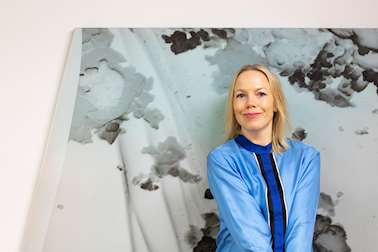 Bild på konstnären Josefina Nelimarkka